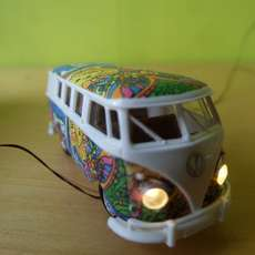 Brekina H0 31582 VW T1b Hippie bus light